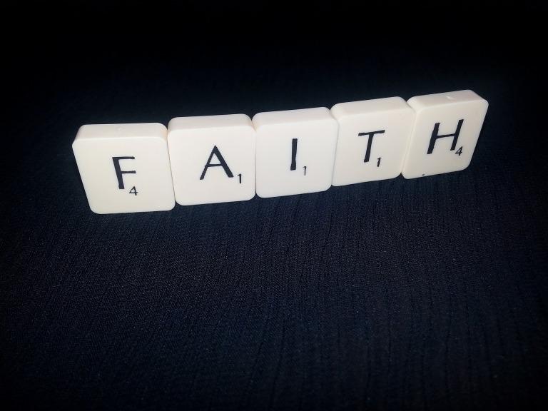 faith-2646353_1920