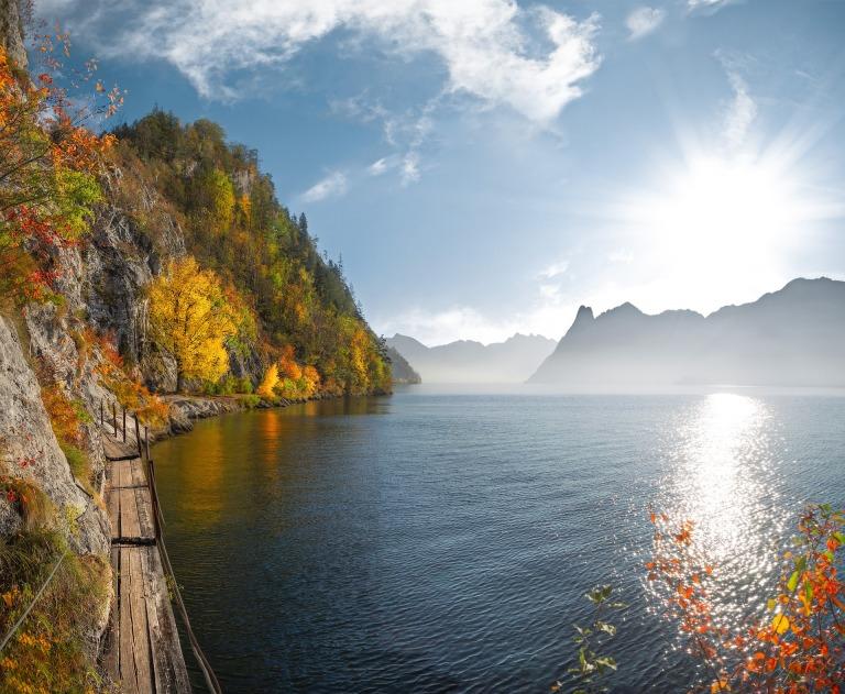 lake-2893792_1920