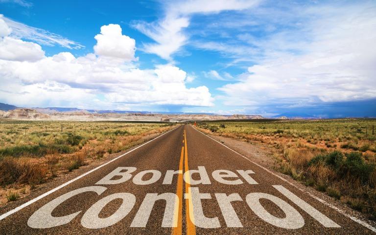 border-control-2474151_1920