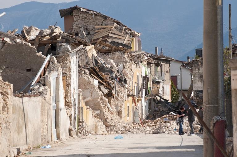 earthquake-1665877_1920