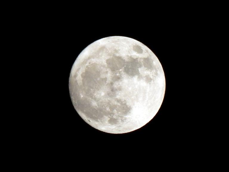full-moon-1831068_1920