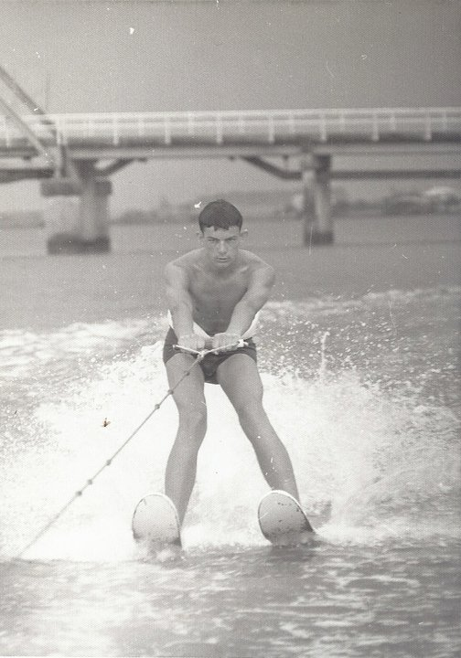 LEARNING TO WATER SKI MARCH 1968 19 YRS