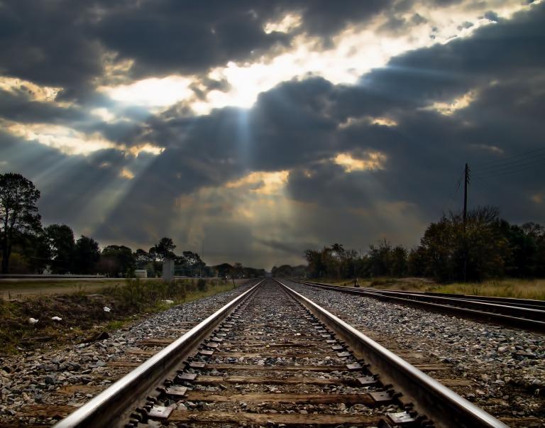 railroad-166535_1920