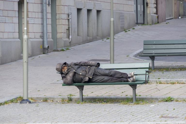 homeless-3748566_1920