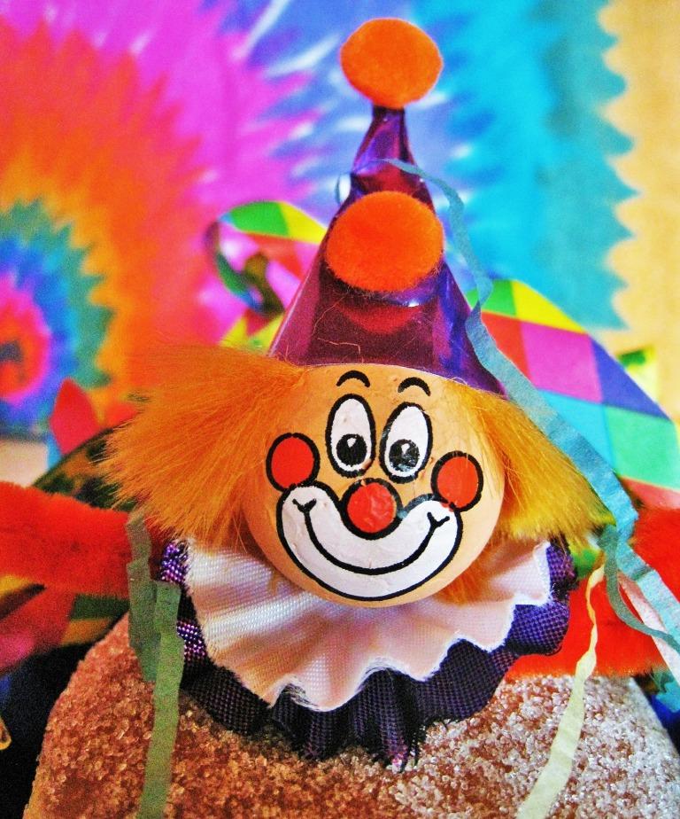 carnival-clown-1149326_1920