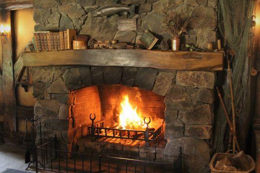 fireplace-4495137_1920