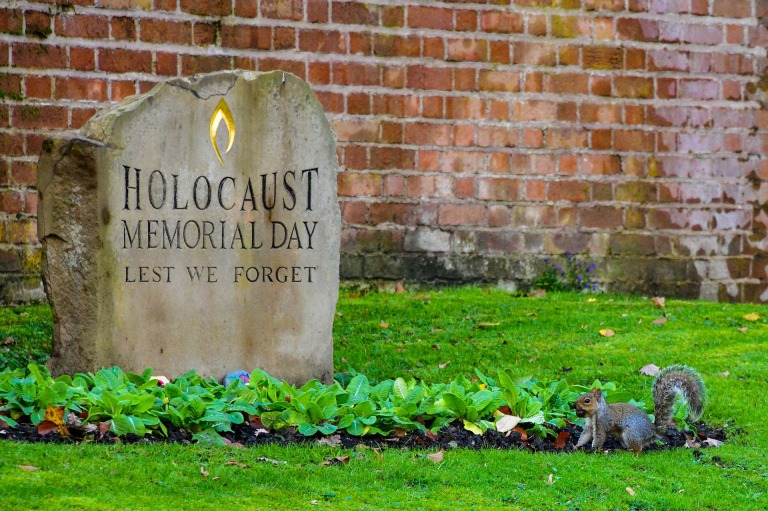 cemetery-4611800_1920