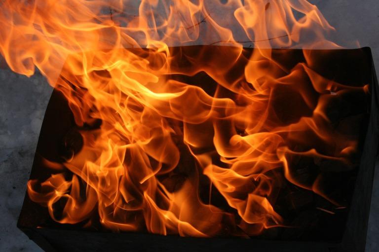 fire-2101086_1920